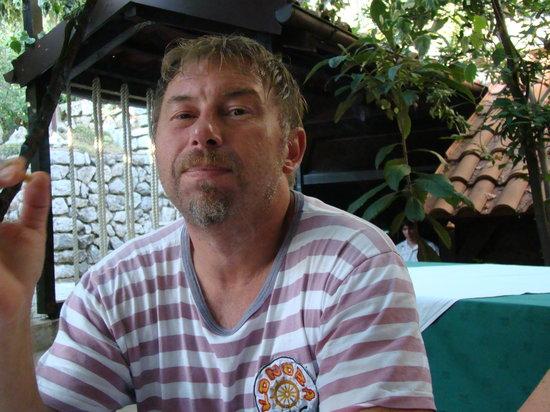 Konoba Gec:                                     Wirt Robert,der für alle ein offenes Ohr und das richtige Es