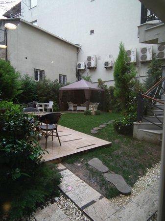 Sarnic Hotel: Inner courtyard.