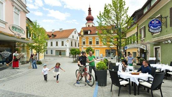 Posthotel Thaller : Terrasse am Hauptplatz von Anger