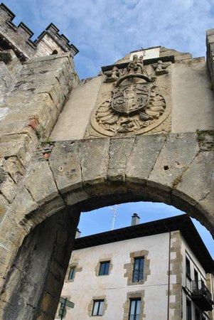 Hondarribia, Spain:                   Casco antiguo