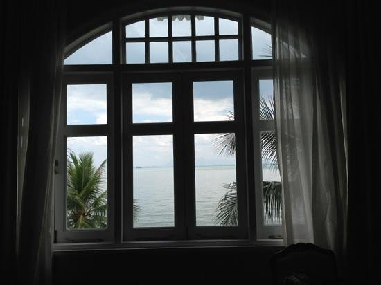 Eastern & Oriental Hotel:                   Big bay window facing the sea