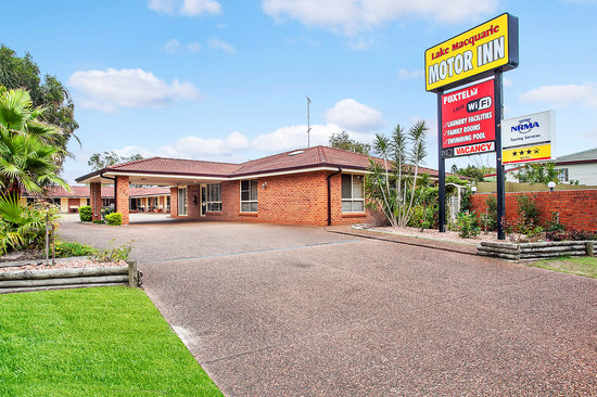Lake Macquarie Motor Inn: Front of Motel