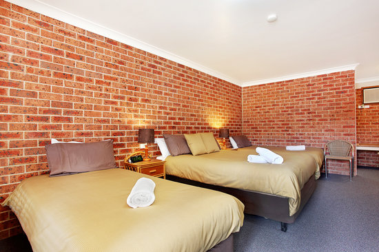 Lake Macquarie Motor Inn: Family Room
