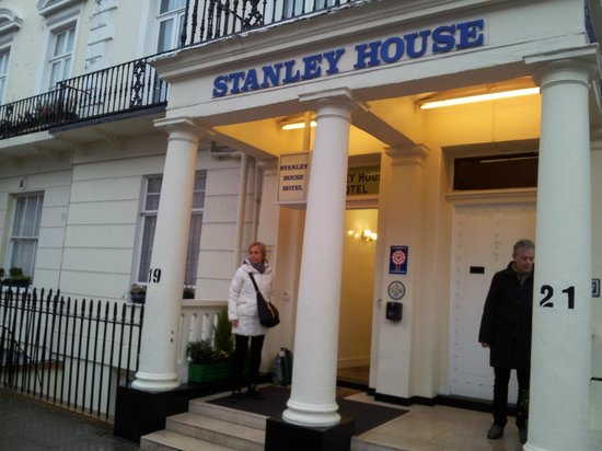 Stanley House:                   Entrata