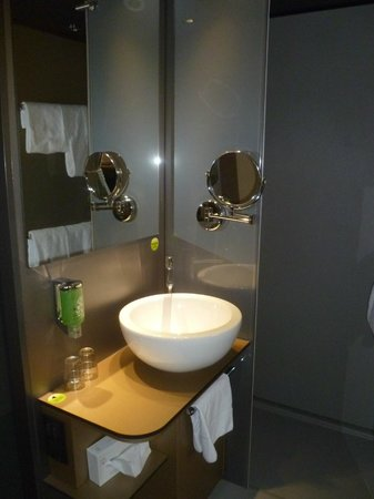 Boutiquehotel Stadthalle: Bathroom