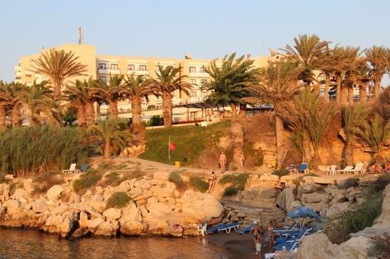 Queen's Bay Hotel:                                                       август2012 edmal