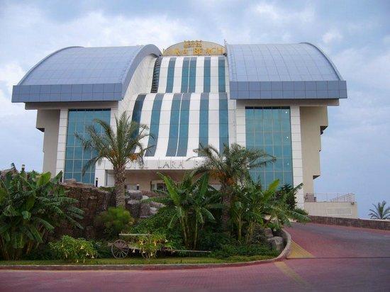Liberty Hotels Lara:                   здание отеля