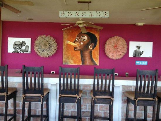 هوتل موانا:                                     Lounge bar                                  