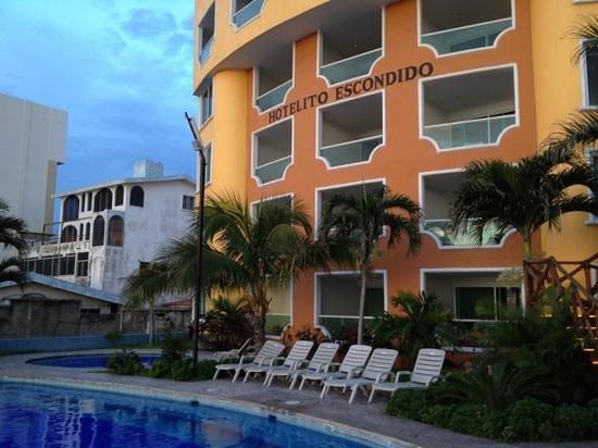 Hotelito Escondido Manzanillo:                   todas las habitaciones con vista al mar