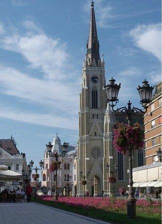 The Name of Mary Church:                   De torenspits is duizelingwekkend hoog en domineert