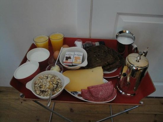 Pension De Laurier:                   The breakfast