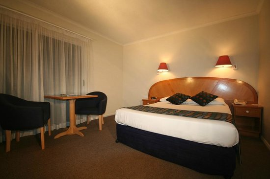 Cairns Sheridan Hotel: Standard room
