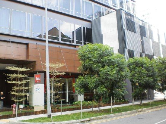 ibis Singapore Novena: Exterior