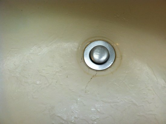 Days Inn & Suites Tucson/Marana:                                                       Cracks in sink.  We even found hairs in ba