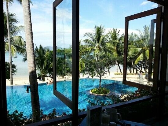 Panwa Boutique Beach Resort: this is the view from the restaurant this was taken at breakfast time