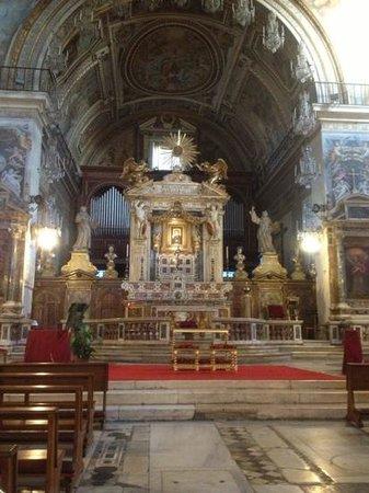 Kirche Santa Maria in Aracoeli:                   ołtarz