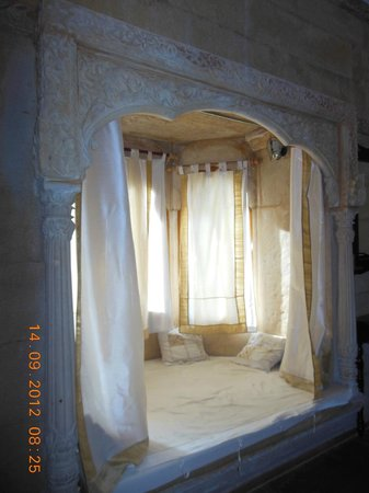 Hotel Pleasant Haveli: Private balcaony inside the room