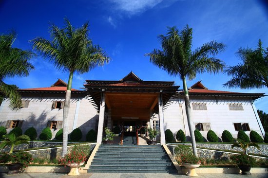 Hoang Anh - Dat Xanh Da Lat Resort:                   l'entrée