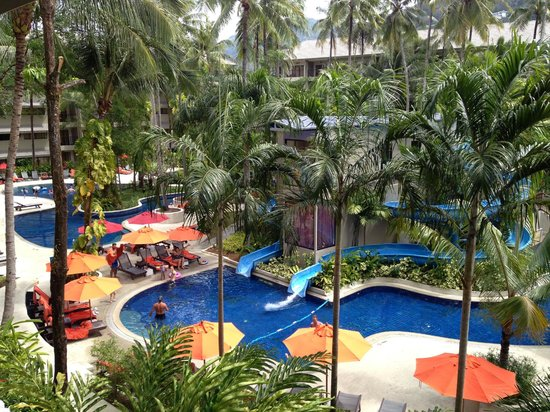 Novotel Phuket Surin Beach Resort.: Pool area - so much fun to be had on those waterslides