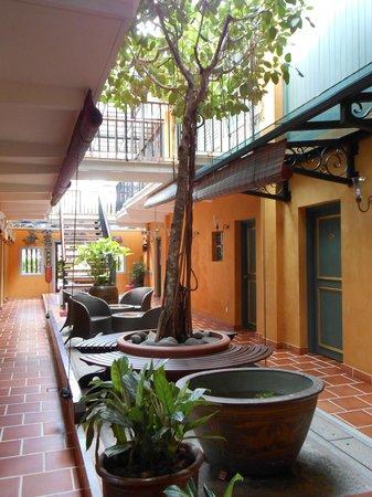 Yeng Keng Hotel:                   こじんまりとしたプチホテル