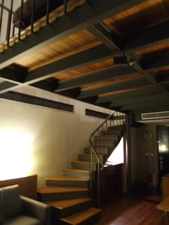 Sumahan On The Water:                                                                         Loft suite stairs