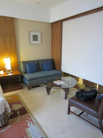 Hilton Bandung:                                                                         Deluxe King Room