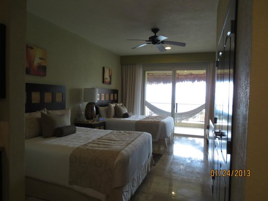 Villa del Palmar Cancun Beach Resort & Spa:                                     Room again