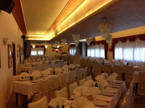 Rovolon, Italy:                   sala grande