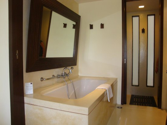 Veranda Resort and Spa Hua Hin Cha Am - MGallery Collection:                   Salle de bain
