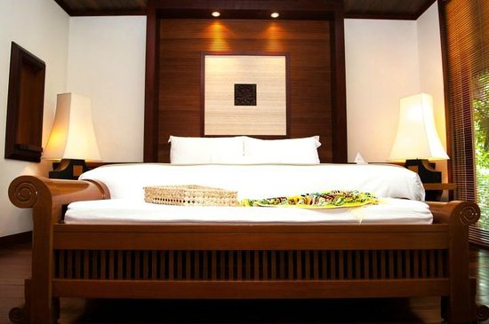 Tanjong Jara Resort: Big bed