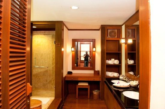 Tanjong Jara Resort: Big bathroom