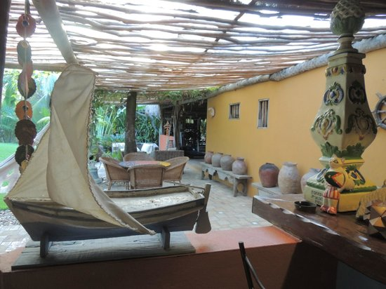 Toca da Coruja:                   Vista do bar - ao lado da piscina/fitnesse/sauna