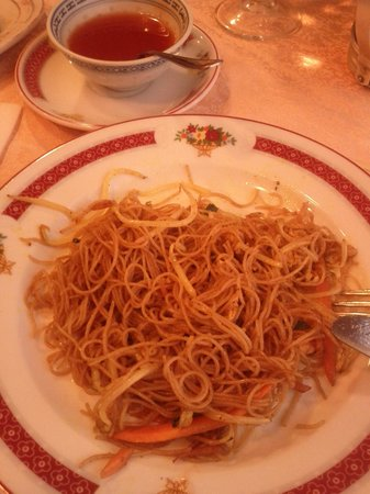 Man Yi:                   Noodles, pasta di riso al curry