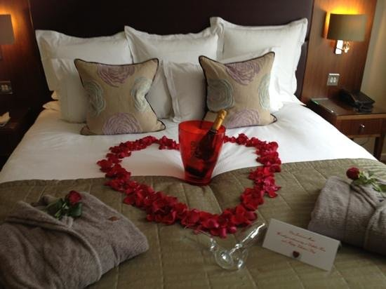 Dolphin House Serviced Apartments:                   the valentines touch