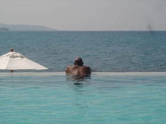Round Hill Hotel & Villas:                   spending time at the infinity pool at Round Hill. Ahhh....