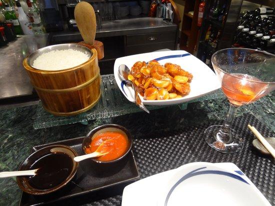 The Good Earth: Kung Po Prawns dinner