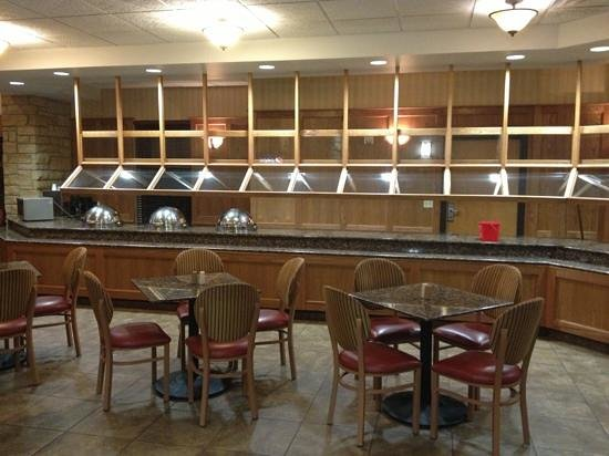 Drury Inn & Suites Amarillo:                   breakfast area