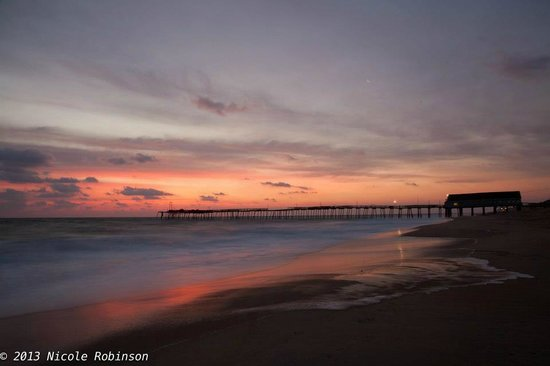 Hilton Garden Inn Outer Banks/Kitty Hawk:                   Avalon Pier on 4 miles south from this hotel.