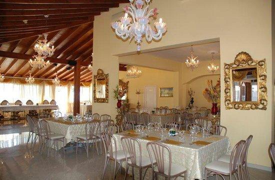 Sala bild von ristorante la reggia santa maria al bagno tripadvisor - Arredo bagno santa maria di sala ...