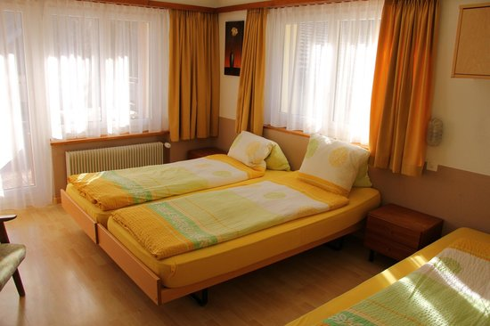 Pension Heino: Dreibettzimmer