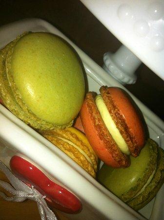Excelsior Dessert Pasticceria De Luca : Macarons