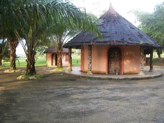 Tinapa Lakeside Hotel:                   The crafts village side