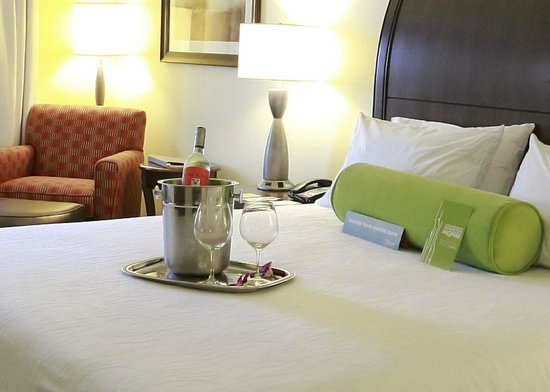 Hilton Garden Inn Devens Common: Ask about our Romance package!