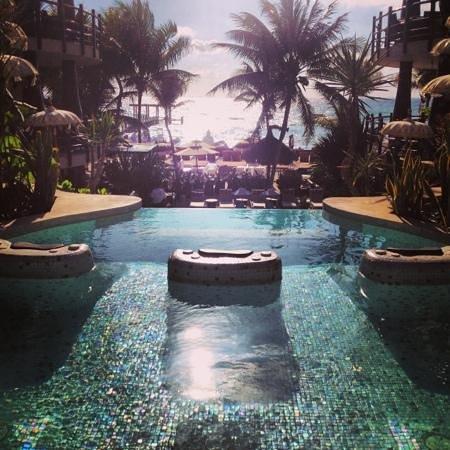El Taj Oceanfront & Beachside Condos Hotel:                   Amazing!