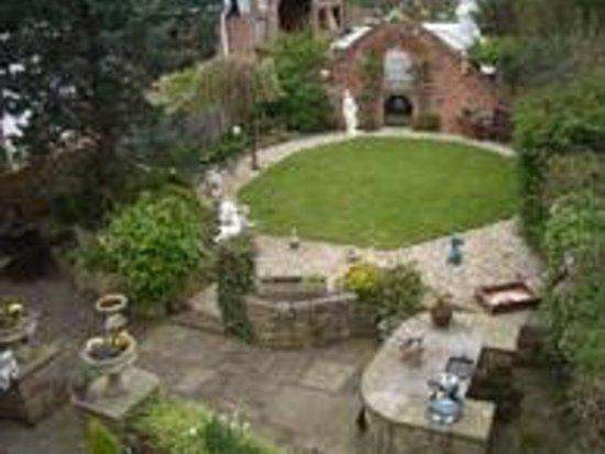 Heskin Farm: Gardens