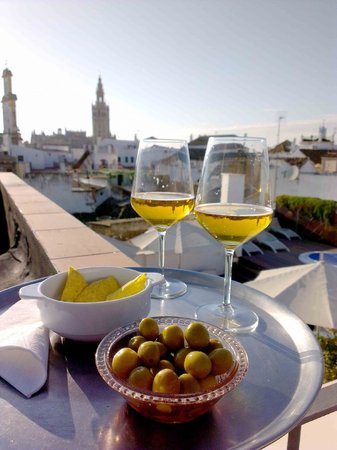 Hotel Amadeus: Drinks and snacks on the roof terrace