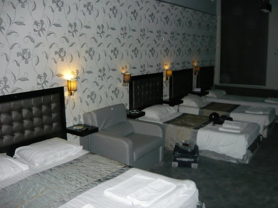 Hotel Hermitage Amsterdam:                                     Camera per cinque persone