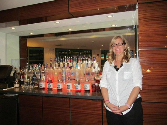 Heat Hotel:                   Arly - the amazing hotel clerk and bartender!