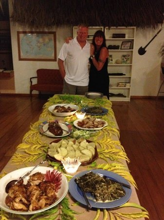Kulu Bay Resort:                   Lovo Feast YUM!!!