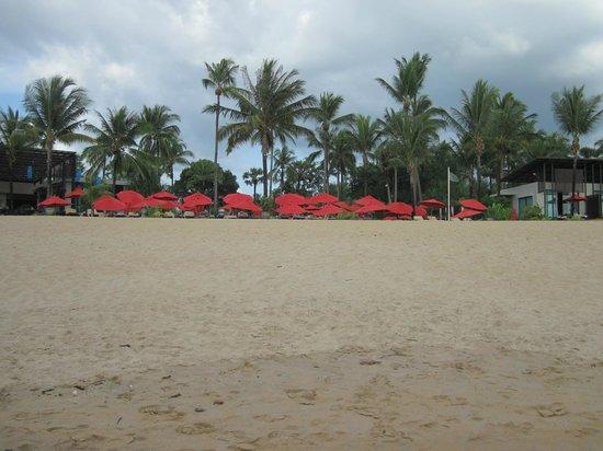 รามาด้า รีสอร์ท เขาหลัก: spiaggia